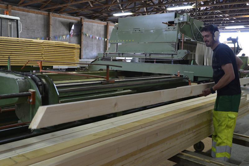 Atelier charpentes industrielles - Scie Depauw